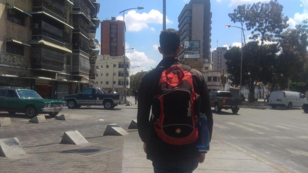 Manuel camina
